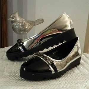 NEW Black Swan Patent Shoes  Size 7-8
